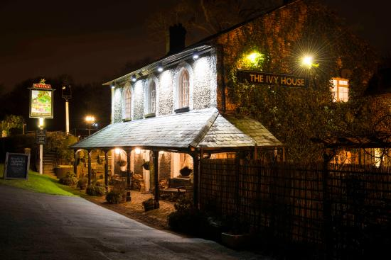 The ivy house chalfont st giles england omd men och for The ivy house