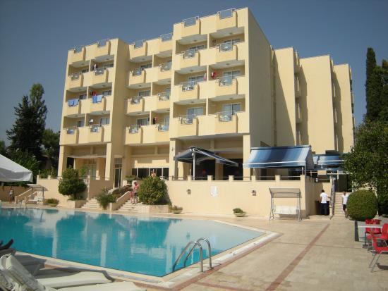 Sirius Hotel : Отель, бассейн и бар у бассейна