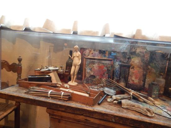 Gari Melchers Home and Studio at Belmont: The tools of his trade including the figurine which appears in his self portrait