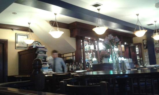 Aherne's of Youghal: Bar