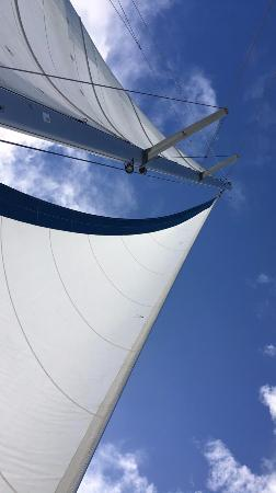 bahía de Simpson, St. Maarten: Laying in front of the catamaran and looking up never got old.