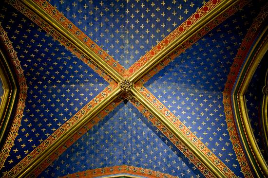 Paris, France: vaulted ceiling in the lower chapel