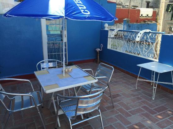 terrasse sur le toit picture of los artesanos cuba havana tripadvisor. Black Bedroom Furniture Sets. Home Design Ideas