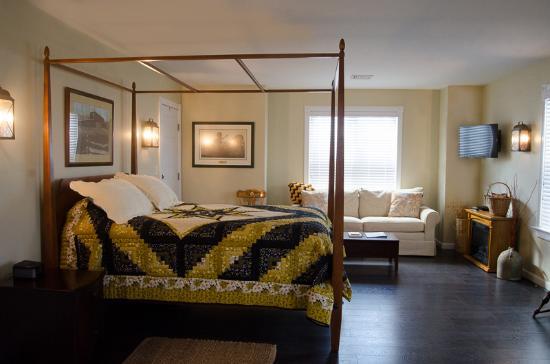 Hertzog Homestead Bed & Breakfast : The Meyer Suite