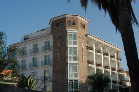 Hotel Almijara: Fachada principal