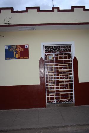 Hostal Casa Messi: Il portone con l'insegna