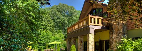 Sylvan Valley Lodge : A Wine Country Lodge Surrounded by Natural Beauty
