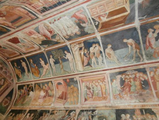 Cori, Italie : Somiglia alla Cappella Sistina di Roma con le storie dell'Antico e del Nuovo Testamento.