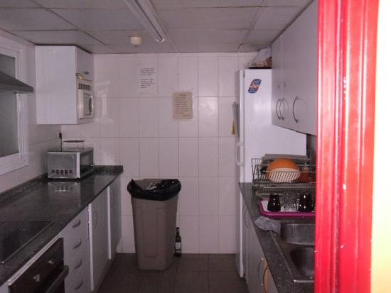 Center Valencia Backpackers' Hostel: Kitchen