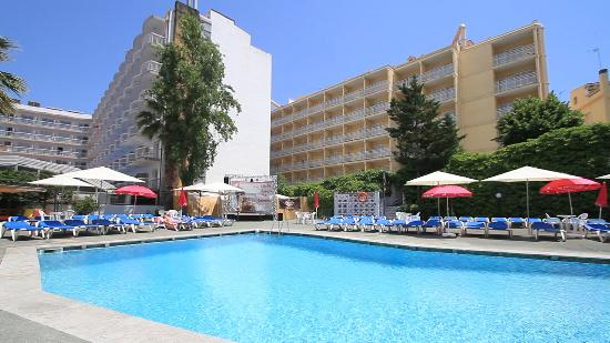 Hotel garbi lloret de mar spanje foto 39 s reviews en prijsvergelijking tripadvisor Girona hotels with swimming pool