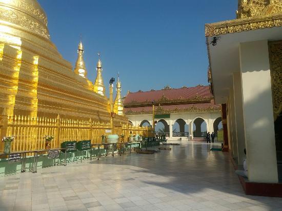 Magway, Myanmar: Mya Tha Lon Pagoda