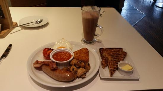 "Marks Tey, UK: ""Half breakfast"""