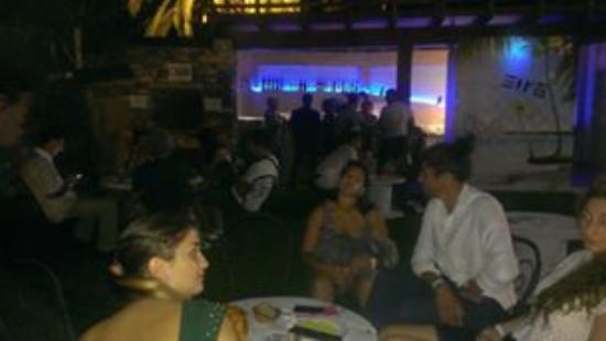 Diano Castello, Italia: chiacchierare con amici e buona MUSICA - IDEALE PER LE FESTE