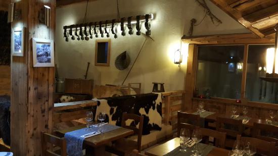 La Ferme de la Choumette : intérieur du restaurant