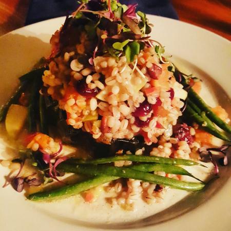 Three Chimneys Inn: Tasty, fresh,  local food in charming environment.