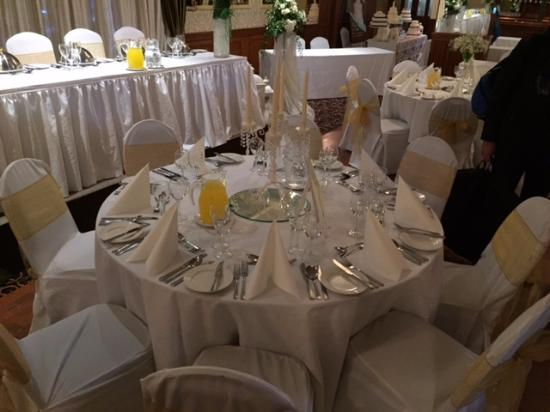 Kee's Hotel, Leisure & Wellness Centre: We snuck into the ballroom, was set for a wedding fayre, looked really nice