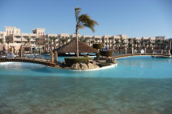 die poolbar picture of albatros palace resort hurghada tripadvisor rh tripadvisor co uk