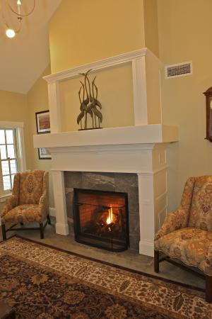 Publick House Historic Inn: Chamberlain House Fireplace