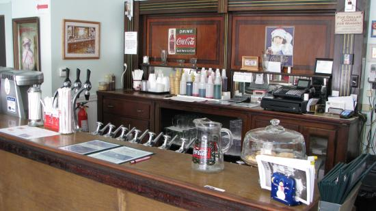 Grandma's Soda Shop: Old Fashioned Soda Fountain