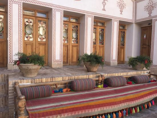 mahin saraye raheb traditional hotel - picture of mahinestan raheb
