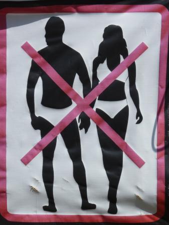 Bophut, Thailand: Warning signs