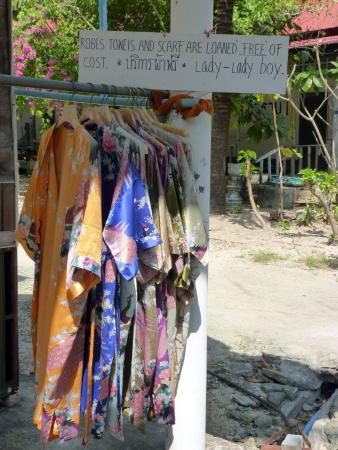 Bophut, Thailand: Ladies - choose your silk dressing gown