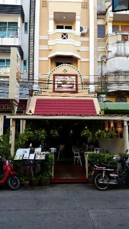 Paradise Inn Phuket: 20160215_174316_large.jpg