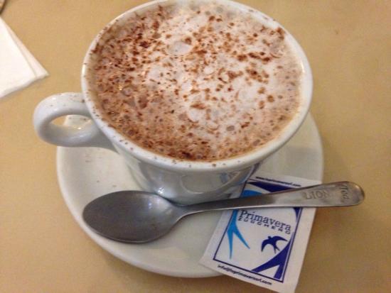 Reno's Cafe Valletta: photo1.jpg