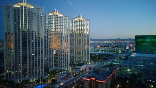 luxury suites international at the signature at dusk picture of rh tripadvisor co uk