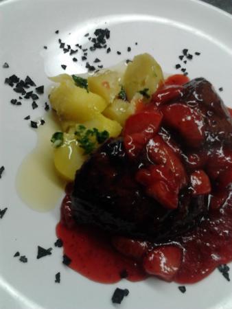 Filete de ternera con salsa de fresas picture of ca l - Filetes de ternera con salsa ...