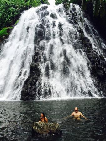 Понпеи, Федеративные Штаты Микронезии: Swimming in the pool at Kepirohi Falls