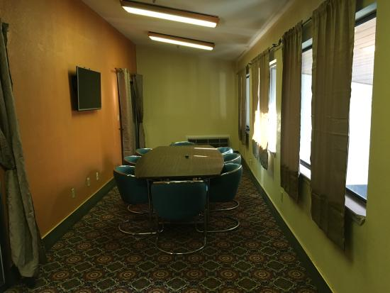 Days Inn & Suites Red Rock-Gallup : Board Room