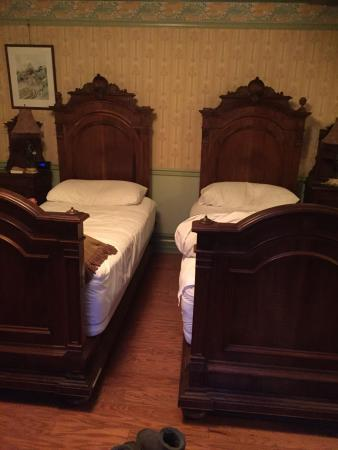 Albion Manor Bed and Breakfast: photo1.jpg