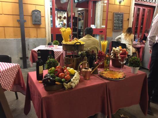 Tavoli Di Marmo Viale Trastevere : Da augustea a trastevere roma trastevere ristorante recensioni