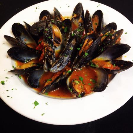 Mussels In A Spicy Red Sauce Picture Of Pepperoncini