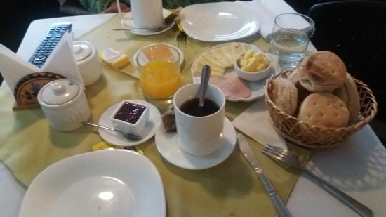 Hotel Bello Temuco: Desayuno continental