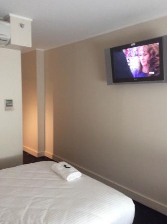 Ibis Sydney World Square: TV