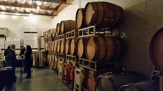 Waxwing Wines: In my own backyard ☺🍷👍