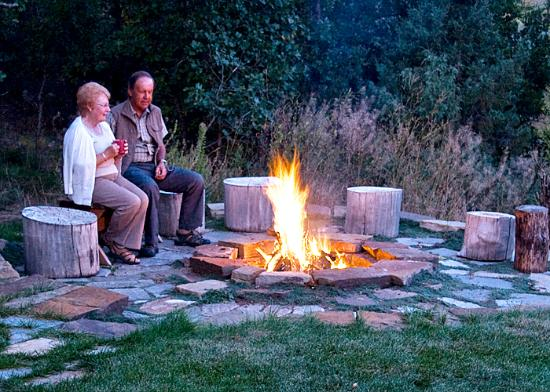 Country Sunshine Bed and Breakfast: Outdoor Firepit