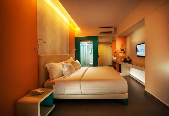 deluxe room picture of blue sky hotel petamburan jakarta rh tripadvisor com