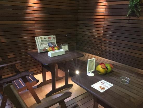 Sohotel: 房間很小但舒適明亮,服務人員非常親切。還有免費奶茶咖啡,可以寄放行李。非常喜歡