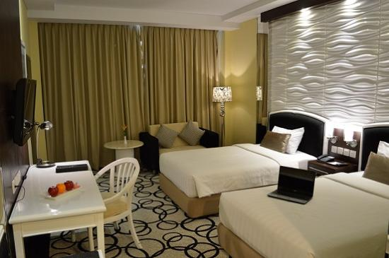 Hotel New Saphir Yogyakarta: Deluxe Room Twinsize