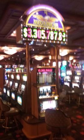 Pala Casino Resort and Spa: Mega Bucks Progressive