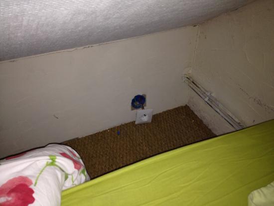 la rolandiere installation lectrique dangereuse juste la tte du lit enfant - Tete De Lit Enfant