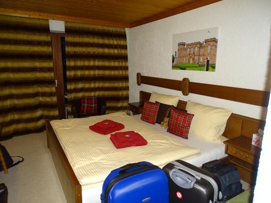 Scottish Highlander Guesthouse: Zimmer (Inverness) im scottischen Flair und überdachtem Balkon