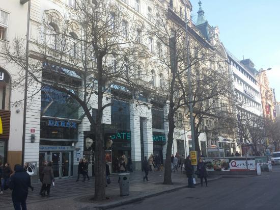 براج سينتر سوبريور: Prague Centre Superior