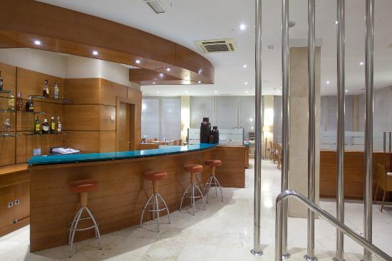 Hotel NH San Pedro de Alcántara : Bar