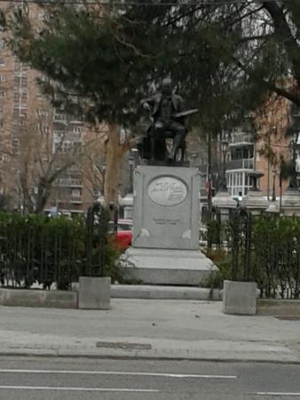 Monumento de Goya: Monumento
