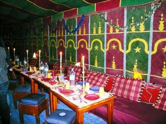 Dar kenavo ghazoua marokko hotel anmeldelser for Salle a manger 53