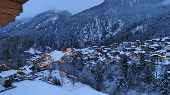Hotel Persal: Blick auf Finkenberg